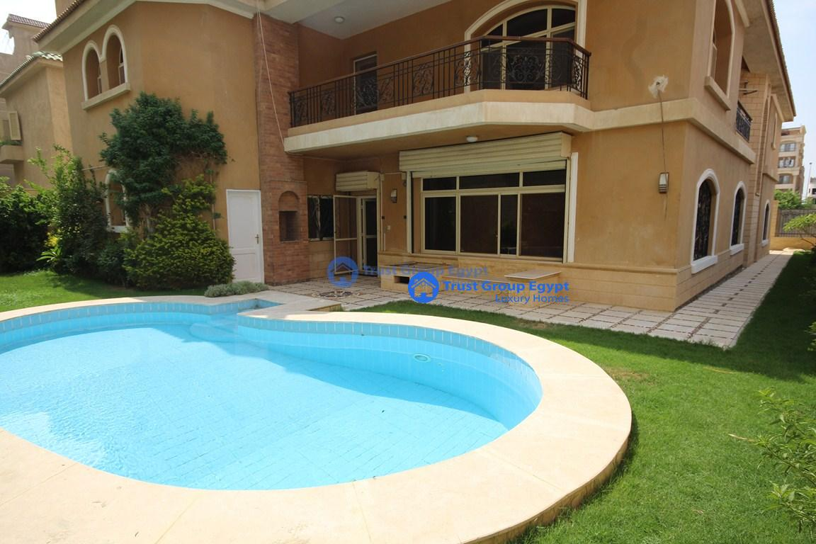 Looking for a modern villa  with private swimming pool for r